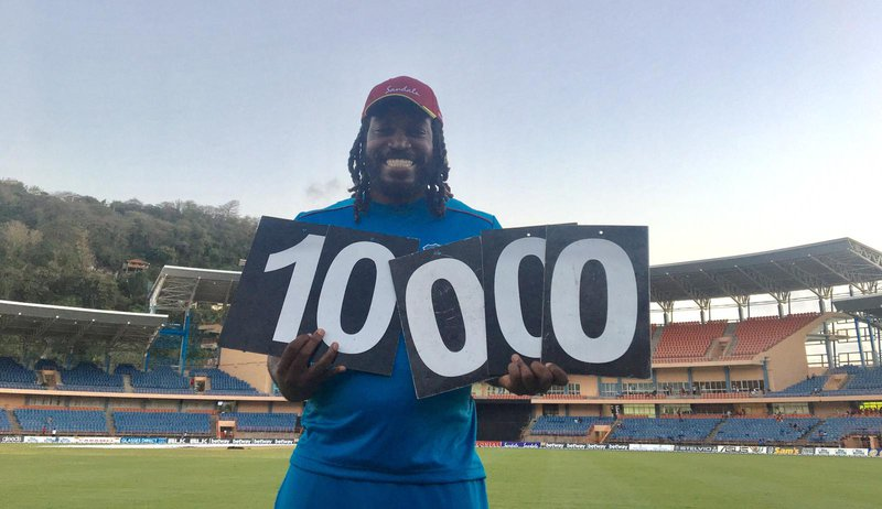 Gayle celebrates 10,000 runs milestone.jpg