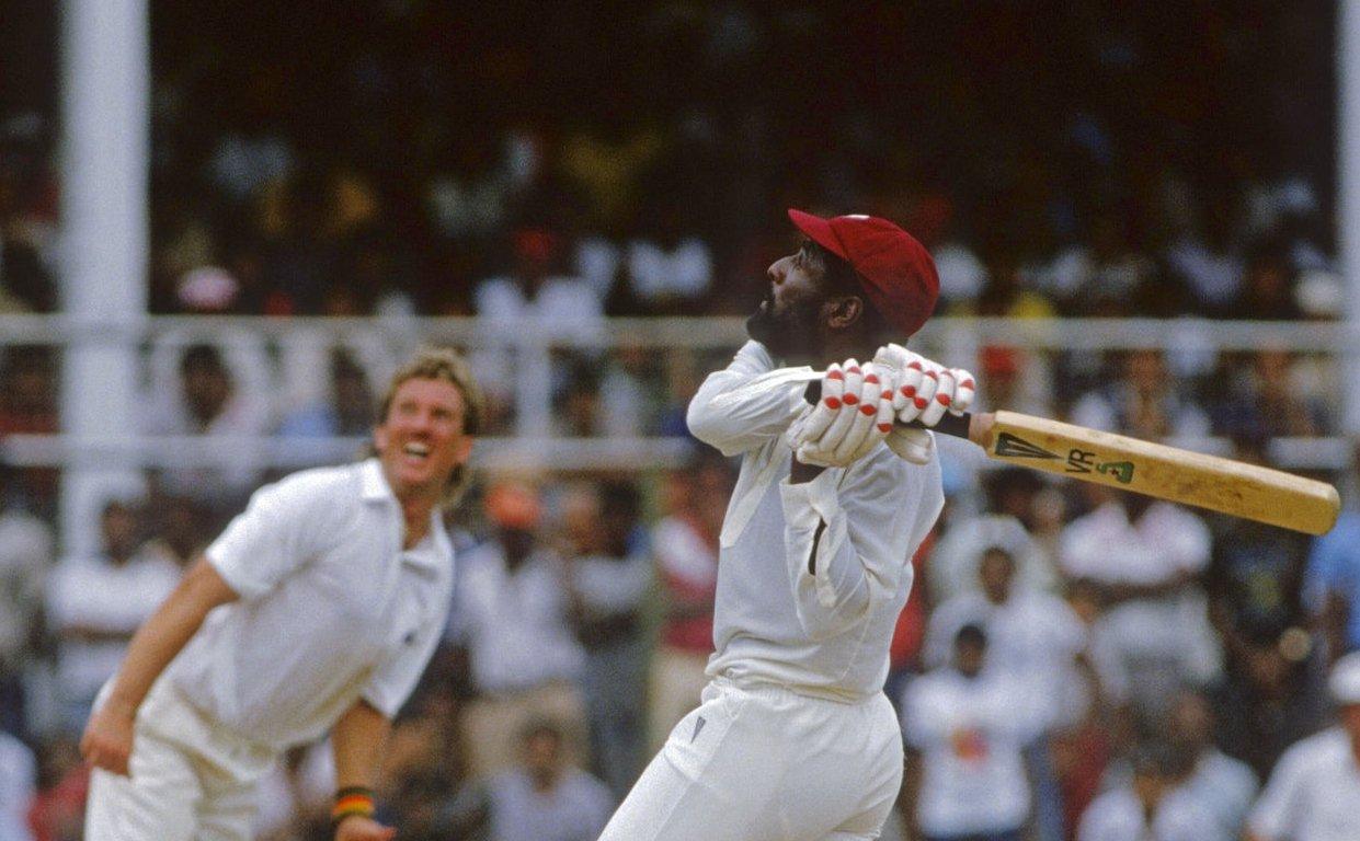 Richards Botham-Richards batting.jpg