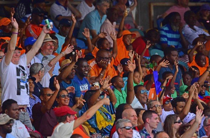 Fans celebrate.jpg