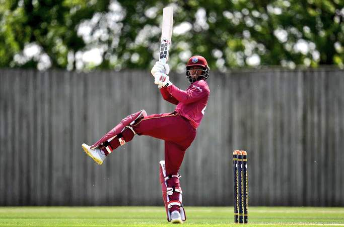 Shai Hope bats.jpg