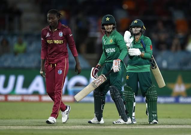 Stafanie Taylor v Pakistan - T20 World  Cup.jpg