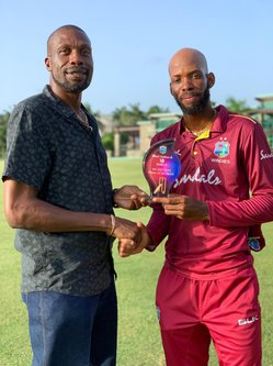 https://cricviz-westindies-production.s3.amazonaws.com/images/8fa6efbe-3ec3-4af9-bfac-9c4e6fc28ca2.max-390x333.jpg