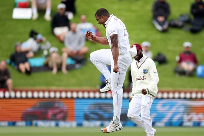 GettyImages-Shannon Gabriel Celebration.jpg