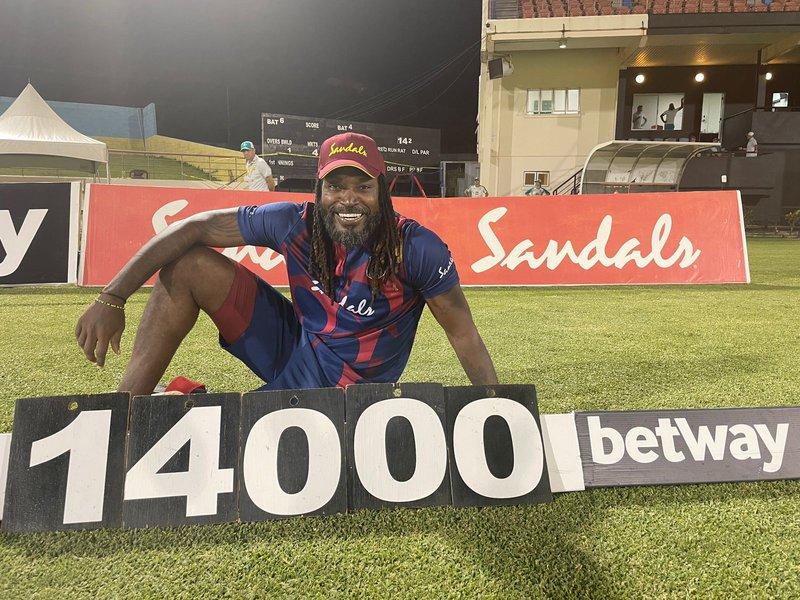 Chris Gayle - 14000 runs - T20