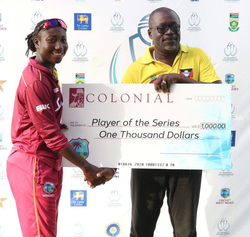 Stafanie Taylor player of the series.jpg